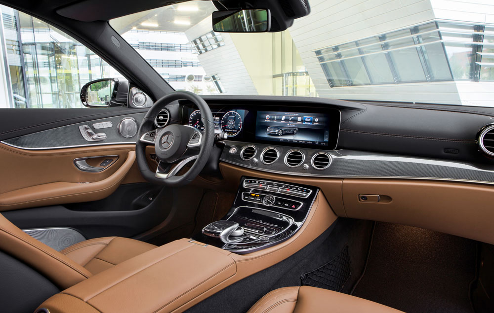 Continental´s Multifunctional Smart Device Terminal in the new Mercedes-Benz E-Class. © Daimler AG