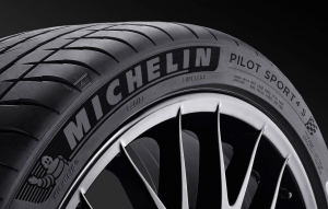 Michelin Unveils New UHP Tire at NAIAS