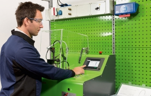 New fully automatic Bosch tester EPS 118 for common-rail injectors
