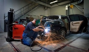 Lighter cars add weight to repair costs