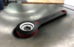 Aperture Wrench Can Fit Any Sized Nut