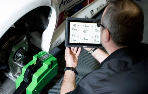 Bosch Automotive Aftermarket unveils new motorsport wheel alignment